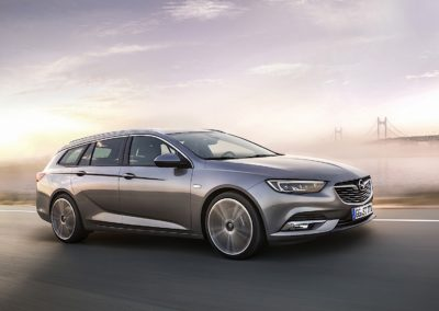 OPEL Insignia 1.6 Sports Tourer Advance 01