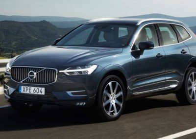 VOLVO XC60 D4 AWD Business 01
